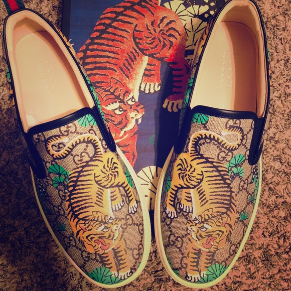 d102f51208125 Gucci Other - GUCCI BENGAL TIGER GG Supreme Slip On Sneakers
